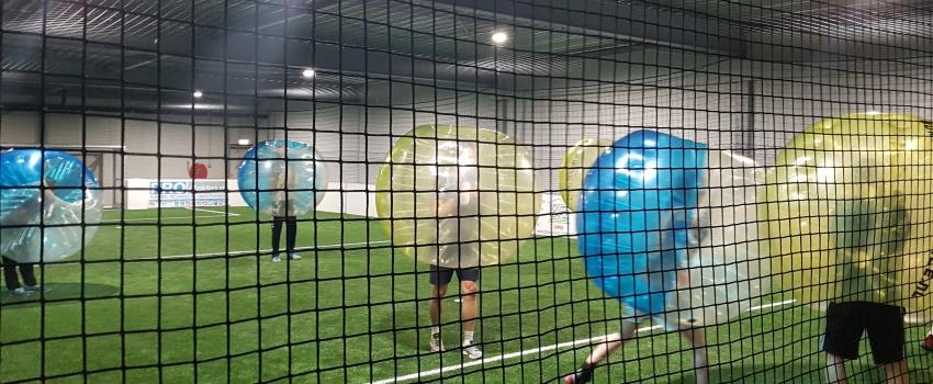 Indoor voetbal of indoor bubble voetbal feestje